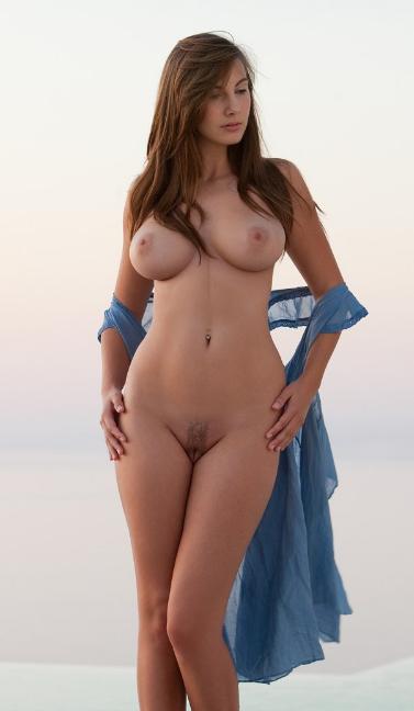красивые голые женщины с широкими бедрами фото