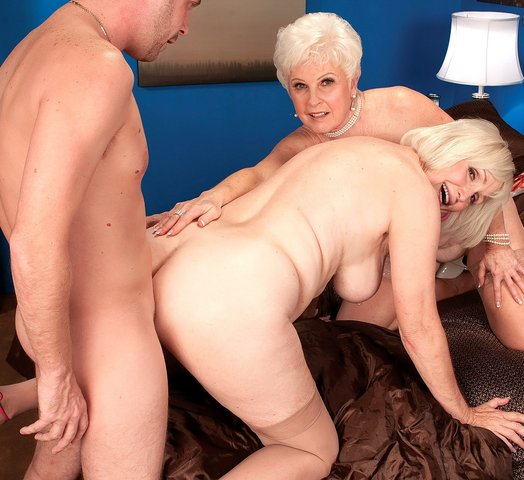 Grannies In Threesomes On